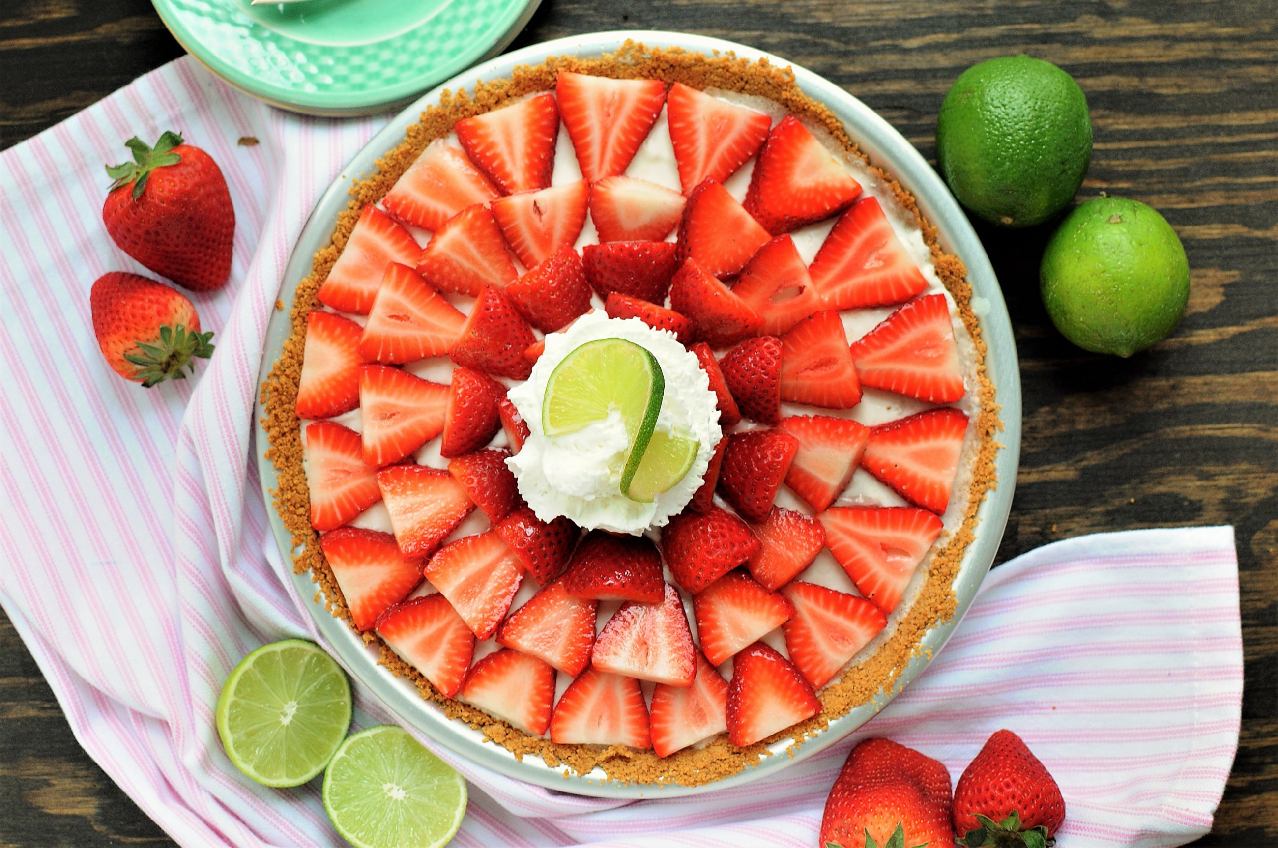 ricetta-del-mese-torta-light-allo-yogurt-e-fragole